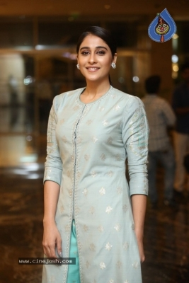 Regina Cassandra Photos - 12 of 17