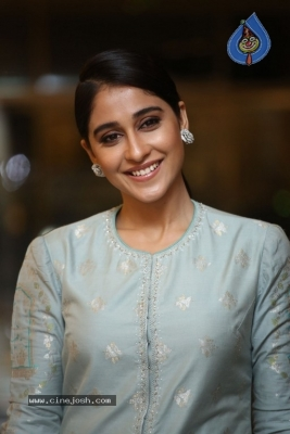Regina Cassandra Photos - 17 of 17