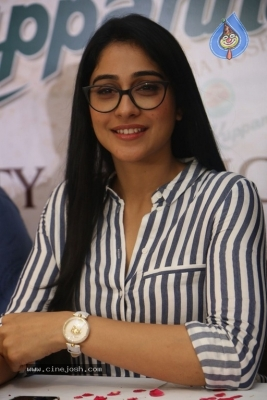 Regina Cassandra Stills - 1 of 15