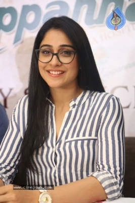 Regina Cassandra Stills - 8 of 15