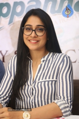 Regina Cassandra Stills - 13 of 15