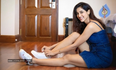 Riya Suman New Spicy Pics - 3 of 7