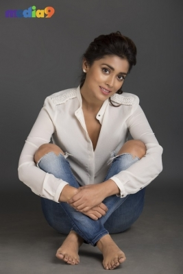 Shriya Saran Stills - 4 of 32