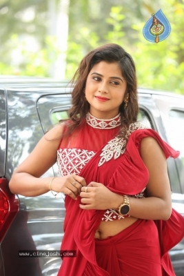 Sri Pallavi Stills - 32 of 35