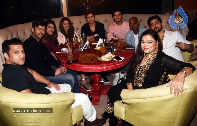 Ajay Devgn At The Launch Of Open China And Sheesha Sky Lounge - 19 / 21 photos