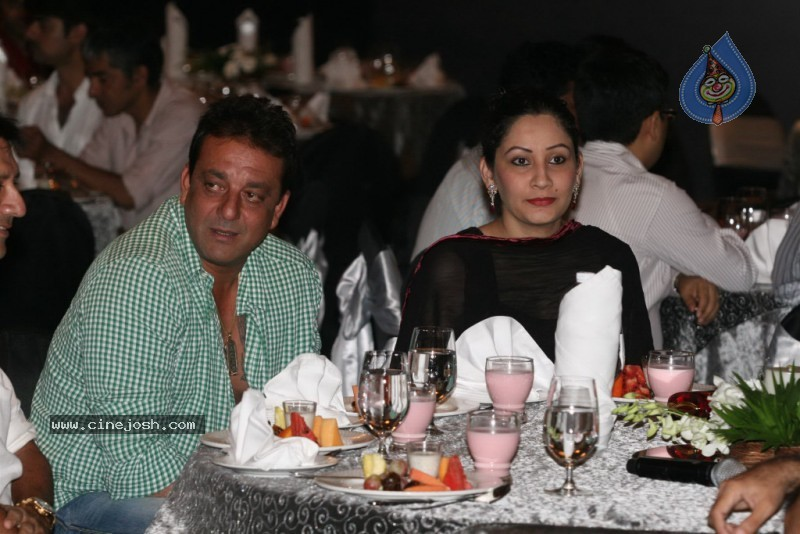 Bolly Celebs at Sanjay Dutt's Iftar Party - 11 / 78 photos