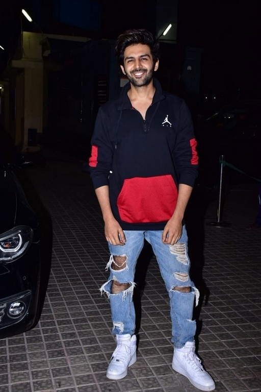 Kedarnath Special Screening Photos - 11 / 21 photos
