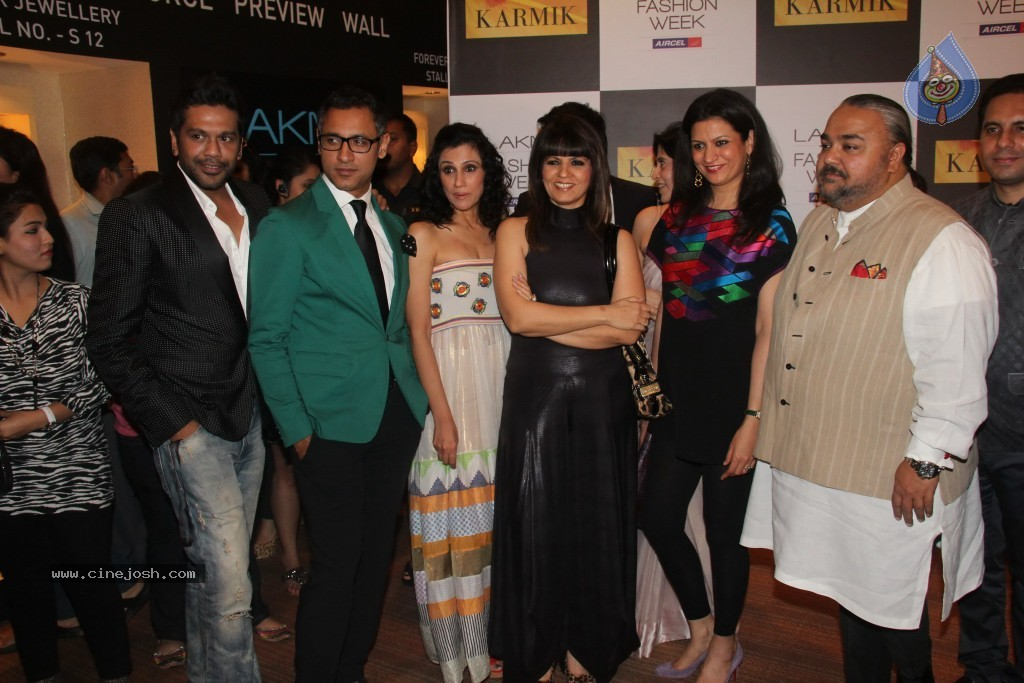 Lakme Fashion Week Day 4 Guests - 16 / 110 photos