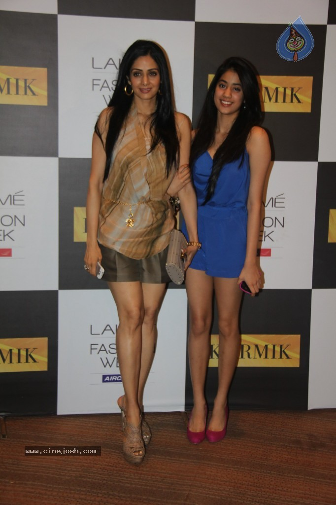 Lakme Fashion Week Day 4 Guests - 21 / 110 photos
