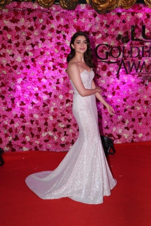 Lux Golden Rose Awards 2018 Photos - 3 / 59 photos
