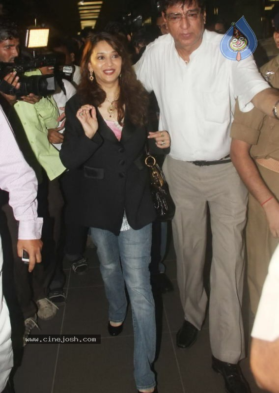 Madhuri Dixit Arrives in India - 13 / 20 photos