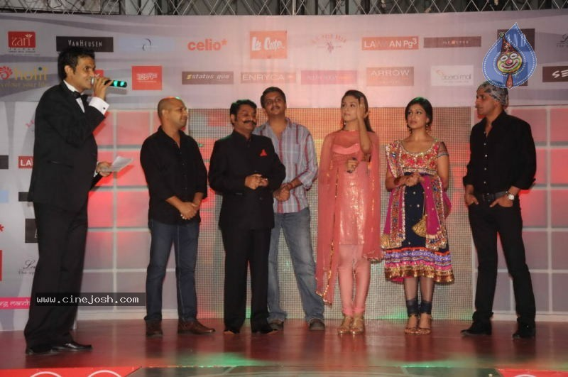 Runway Central Hosts Fashion Fiesta at Oberoi Mall - 3 / 48 photos