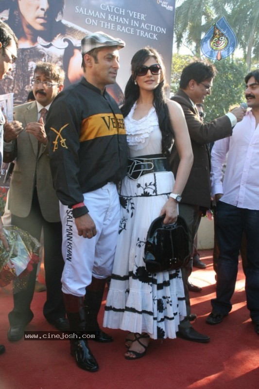 Salman Khan,Zarine Khan At Veer Exhibition Race - 3 / 43 photos