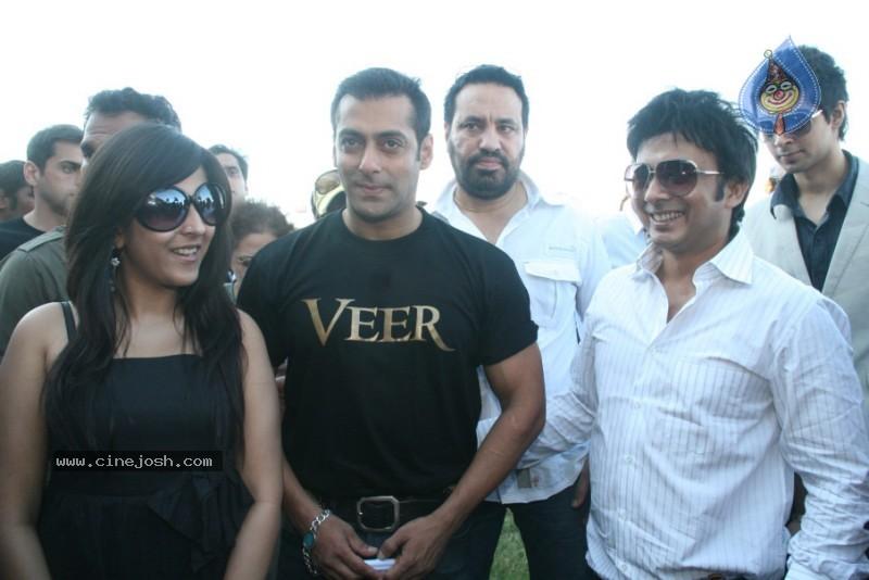 Salman Khan,Zarine Khan At Veer Exhibition Race - Photo 21 of 43