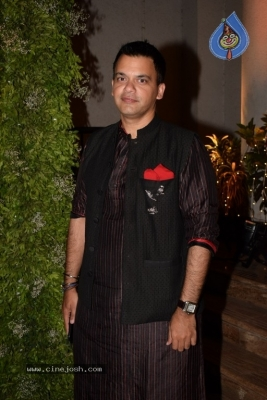 Bollywood Celebs Attend Saudamini Mattu Wedding Reception - 12 of 51
