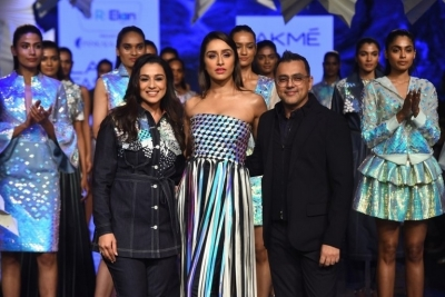 Celebrities walks the Ramp at Lakme Fashion Week 2020 - 7 of 41