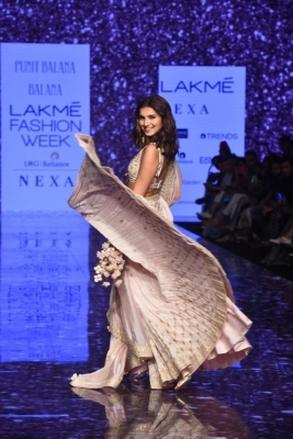 Celebrities walks the Ramp at Lakme Fashion Week 2020 - 10 of 41