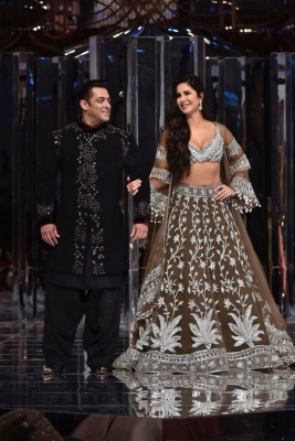 Manish Malhotra Couture Show 2018 - 8 of 38