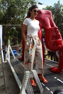 Shilpa Shetty Yoga Pose Statue Inauguration Pics - 1 of 38