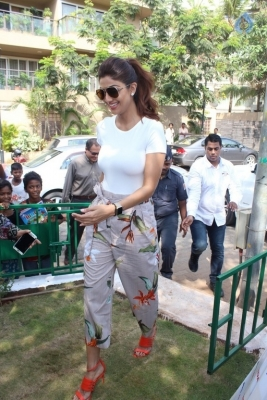 Shilpa Shetty Yoga Pose Statue Inauguration Pics - 11 of 38
