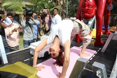 Shilpa Shetty Yoga Pose Statue Inauguration Pics - 16 of 38