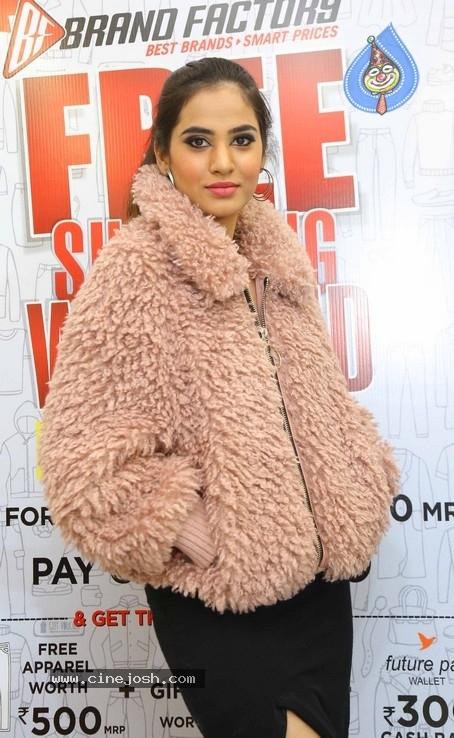 Hebah Patel Unveils Free Shopping Weekend Of Brand Factory - 18 / 42 photos