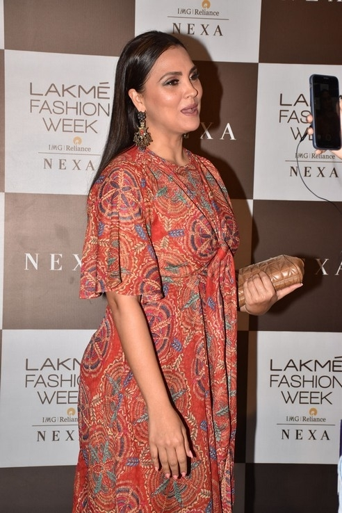 Lakme Fashion Week SummerResort 2020 - 9 / 15 photos