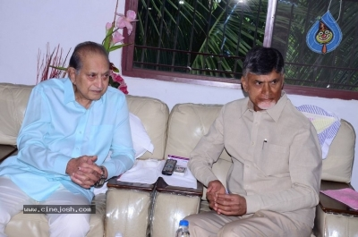 Chandrababu and Balakrishna Meet Superstar Krishna Family - 12 of 60