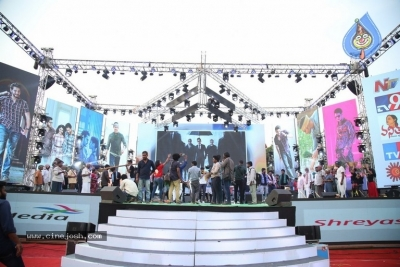 Maharshi Movie Pre Release Event 01 - 5 of 21