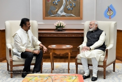 Mohan Babu Family Meets Modi - 1 of 4