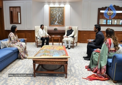Mohan Babu Family Meets Modi - 2 of 4