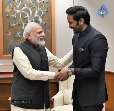 Mohan Babu Family Meets Modi - 3 of 4