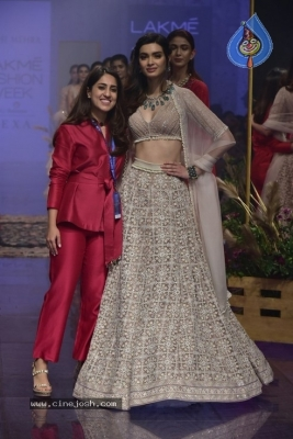 Showstoppers at Lakme Fashion Week - 2 of 53