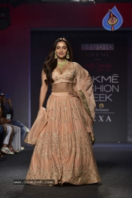 Showstoppers at Lakme Fashion Week - 3 of 53