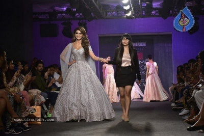 Showstoppers at Lakme Fashion Week - 8 of 53