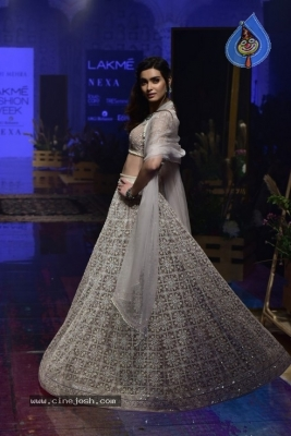 Showstoppers at Lakme Fashion Week - 17 of 53