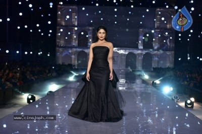 Showstoppers at Lakme Fashion Week - 19 of 53