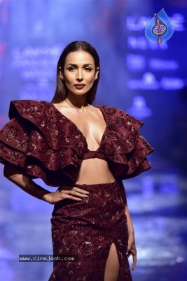 Showstoppers at Lakme Fashion Week - 20 of 53