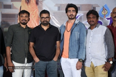 Student of the Year Movie Press Meet Photos - 3 of 21