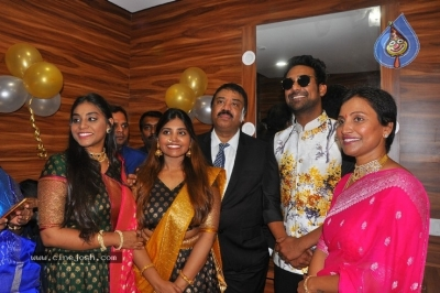 Varun Sandesh inaugurates  BeYou Salon - 28 of 30