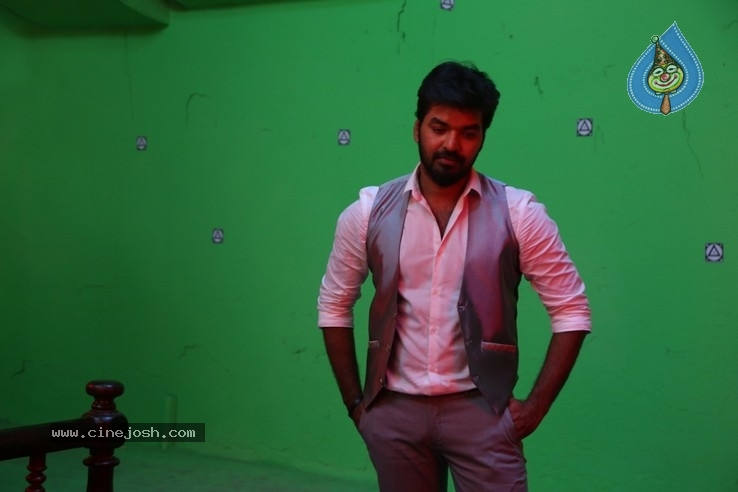 Breaking News Tamil  Movie Working Stills - 11 / 19 photos