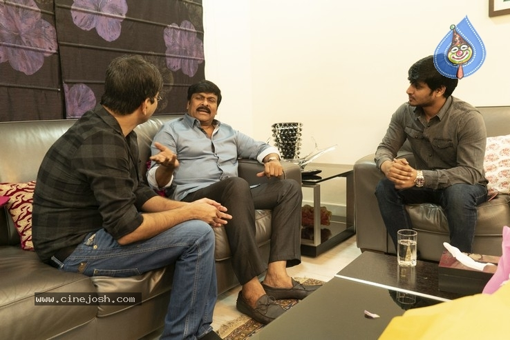Chiranjeevi With Arjun Suravaram Team  - 3 / 9 photos