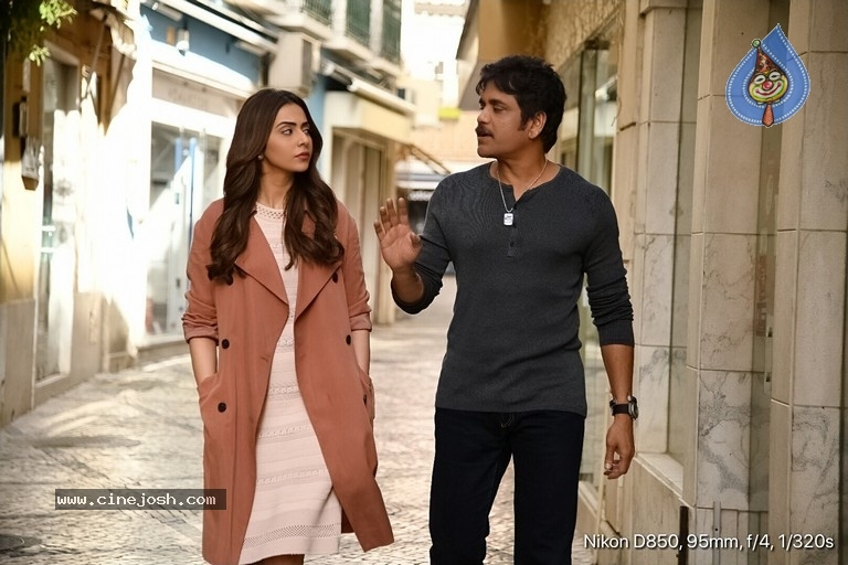 Manmadhudu 2 Working Stills - 13 / 17 photos