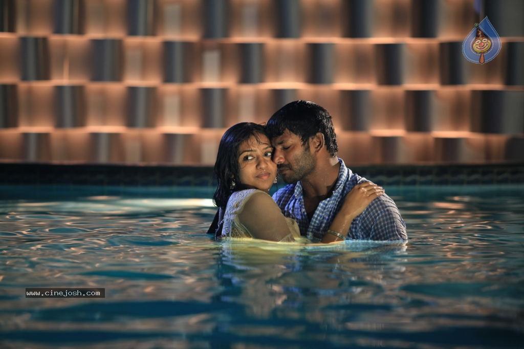 Naan Sigappu Manithan Tamil Movie New Stills - Photo 14 of 33 Naan Sigappu Manithan Lakshmi Menon Hot Stills