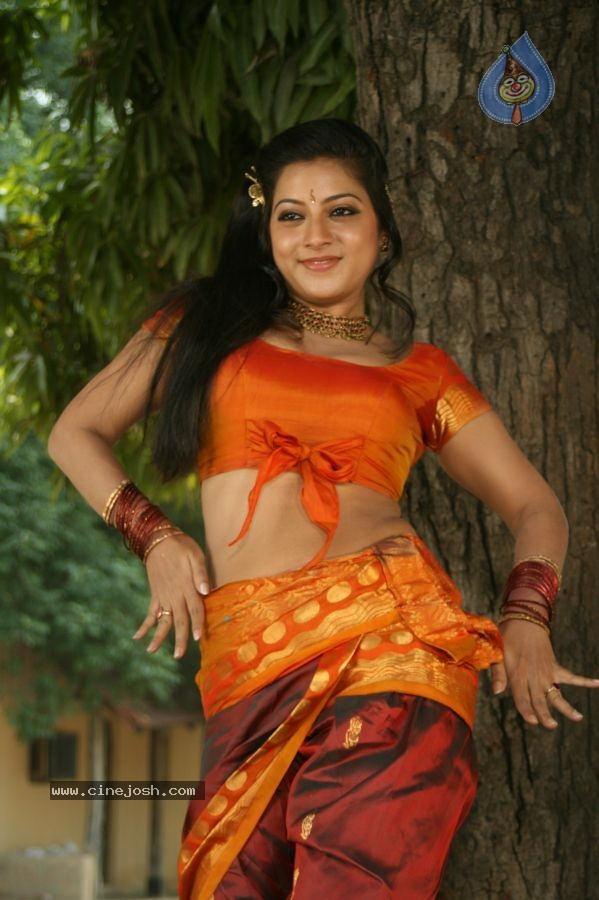 Ninaivil Nindraval Tamil Movie Stills - Photo 23 of 124