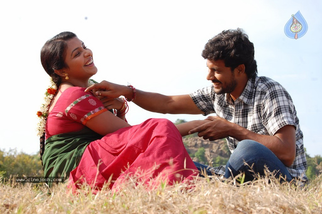 Rettai Vaalu Tamil Movie Stills - 28 / 72 photos