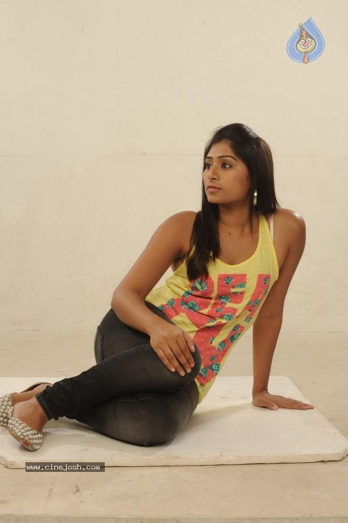 Summa Nachunu Irukku Tamil Movie Photos - Photo 24 of 75