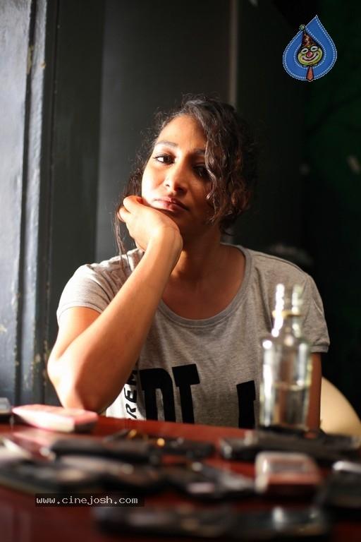 Yedu Chepala Katha Movie Stills Photo 2 Of 4