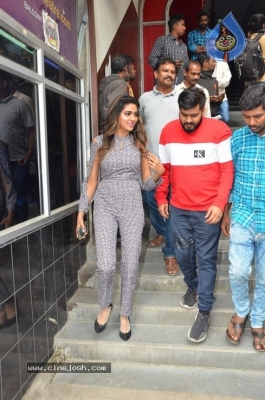 Bhagyanagara Veedhullo Gammathu Team at Sandhya Theater - 5 of 14