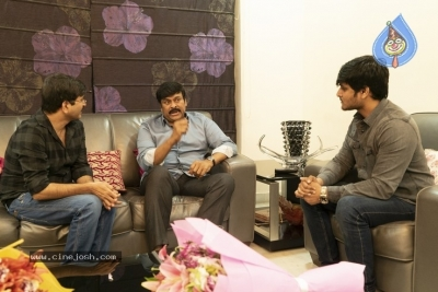 Chiranjeevi With Arjun Suravaram Team  - 6 of 9
